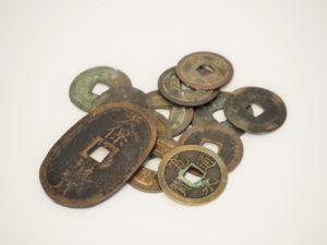 古銭の価値や買取価格を簡単に調べる方法